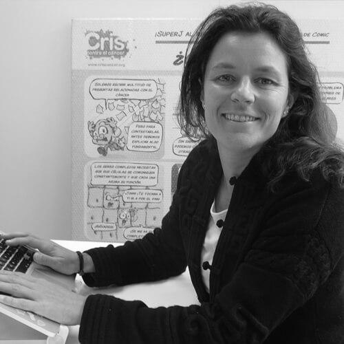 Marta Redondo de CRIS Contra el Cáncer en blanco y negro