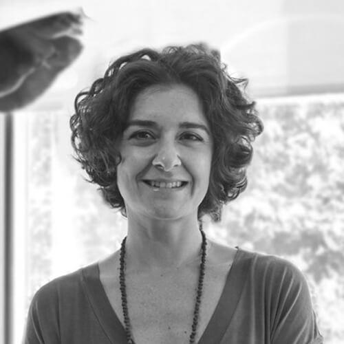 Sonia Gomez de Legado Solidario en blanco y negro